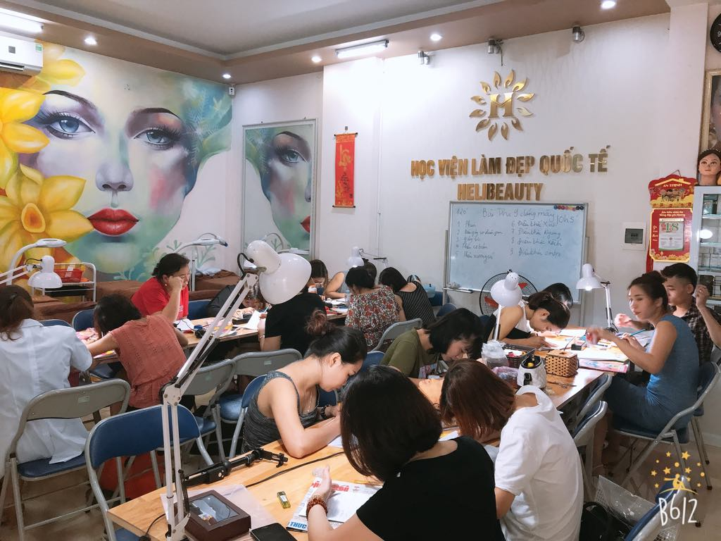 Học phun xăm thẩm mỹ tại Helibeauty có đến 80% giờ thực hành