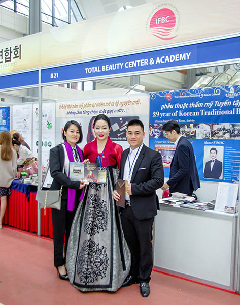 Giám đốc học viện làm đẹp quốc tế Helibeauty - Thủy Heli luôn cập nhật công nghệ làm đẹp từ Hàn Quốc