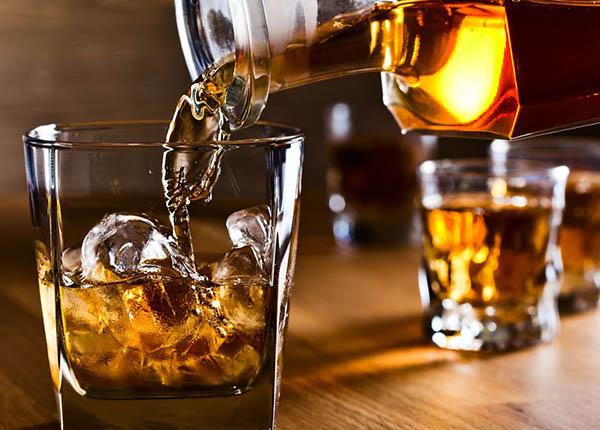 Tuyệt đối không uống đồ uống có cồn có thể tăng sắc tố thâm