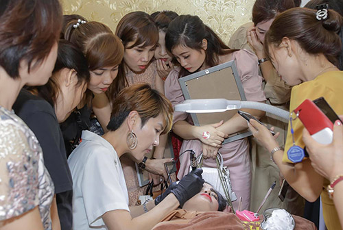 Học phun xăm thẩm mỹ từ chuyên gia Hàn Quốc tại Helibeauty