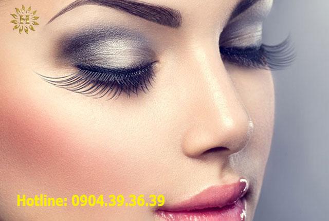 Phun xăm giúp tạo điểm nhấn cho khuôn mặt trở nên hài hòa và sắc sảo